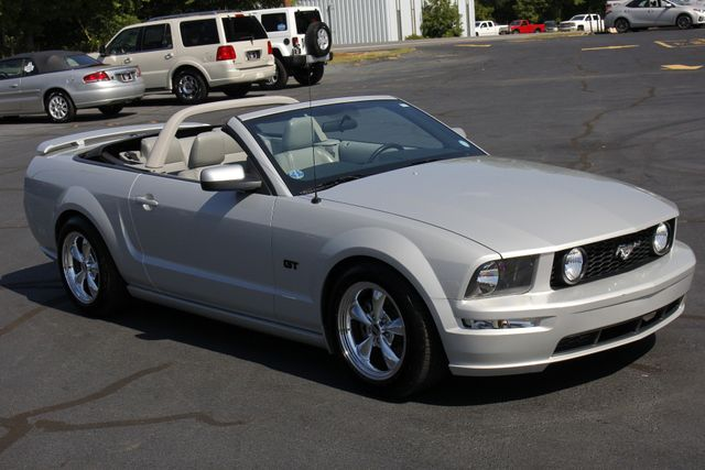 2007 Ford Mustang GT Premium - LOT$ OF EXTRA$! Mooresville , NC 23