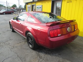 2007 Ford Mustang Deluxe Saint Ann, MO 4