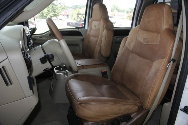 2007 Ford Super Duty F-250 King Ranch Crew Cab 4x4 FX4 - HEATED LEATHER! Mooresville , NC 6