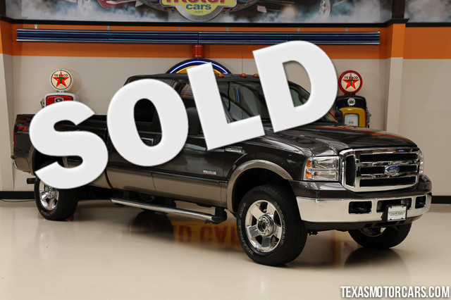2007 Ford Super Duty F-350 Lariat This Carfax 1-Owner 2007 Ford Super Duty F-350 SRW Lariat is in