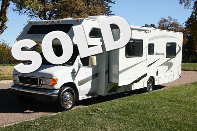 2007 Four Winds Chateau 29R -2 Slides, Sleeps 8, 37K Mi Generator, Full Kitchen, O/H Bunk | Colorado Springs, CO | Golden's RV Sales in Colorado Springs CO