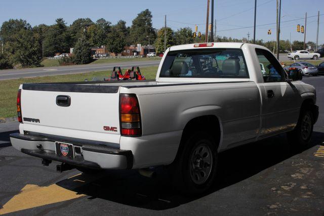 2007 GMC Sierra 1500 Classic REG CAB Long Bed RWD Mooresville , NC 22