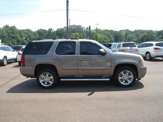 2007 GMC Yukon SLT Batesville, Mississippi 1