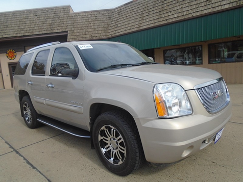 2007 GMC Yukon Denali  in Dickinson, ND