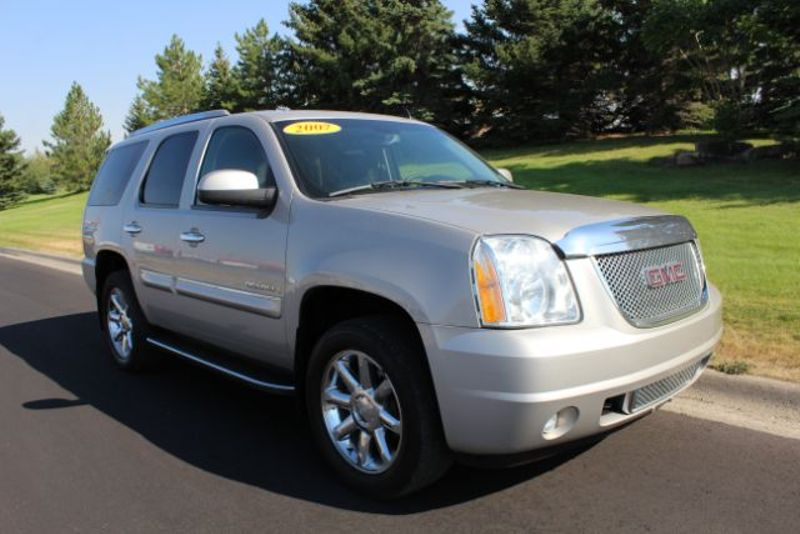 2007 GMC Yukon Denali AWD  city MT  Bleskin Motor Company   in Great Falls, MT