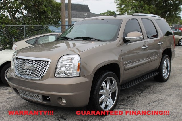 2007 GMC Yukon SLE  WARRANTY 1 OWNER 15 SERVICE RECORDS FLORIDA VEHICLE  This 2007 GMC Y
