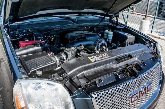 2007 GMC Yukon XL Denali  AWD - 145K MILES - NAVI - DVD - 3RD ROW Reseda, CA 45