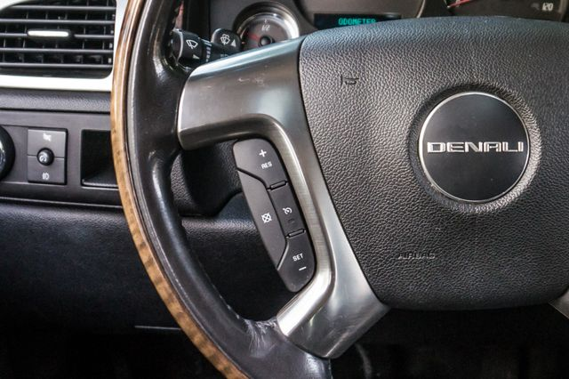 2007 GMC Yukon XL Denali  AWD - 145K MILES - NAVI - DVD - 3RD ROW Reseda, CA 19