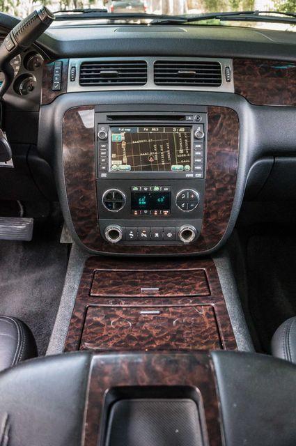 2007 GMC Yukon XL Denali  AWD - 145K MILES - NAVI - DVD - 3RD ROW Reseda, CA 23