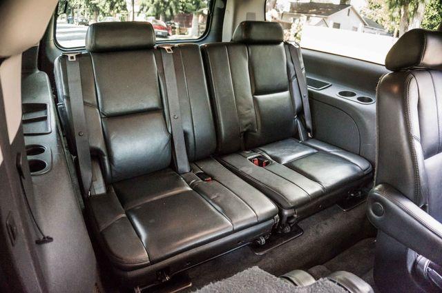 2007 GMC Yukon XL Denali  AWD - 145K MILES - NAVI - DVD - 3RD ROW Reseda, CA 34