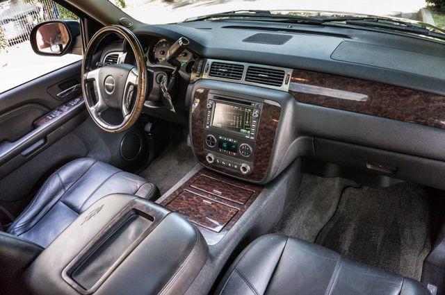 2007 GMC Yukon XL Denali  AWD - 145K MILES - NAVI - DVD - 3RD ROW Reseda, CA 36