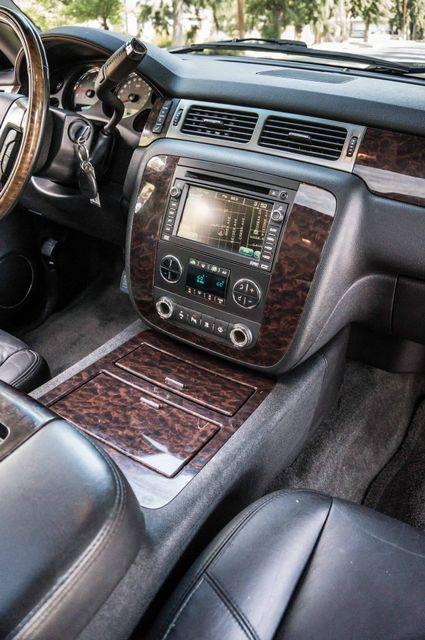 2007 GMC Yukon XL Denali  AWD - 145K MILES - NAVI - DVD - 3RD ROW Reseda, CA 21
