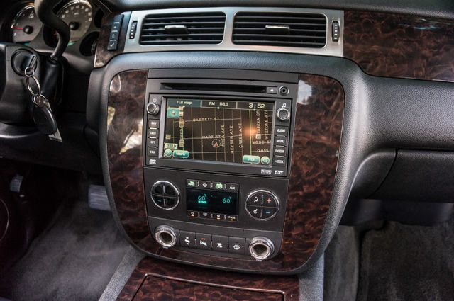2007 GMC Yukon XL Denali  AWD - 145K MILES - NAVI - DVD - 3RD ROW Reseda, CA 22