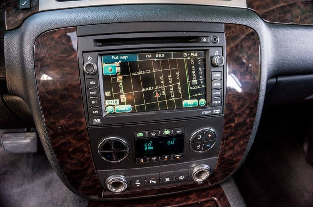 2007 GMC Yukon XL Denali  AWD - 145K MILES - NAVI - DVD - 3RD ROW Reseda, CA 26