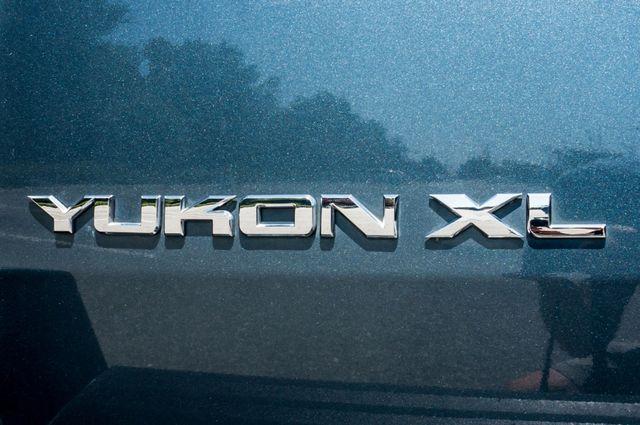 2007 GMC Yukon XL Denali  AWD - 145K MILES - NAVI - DVD - 3RD ROW Reseda, CA 56