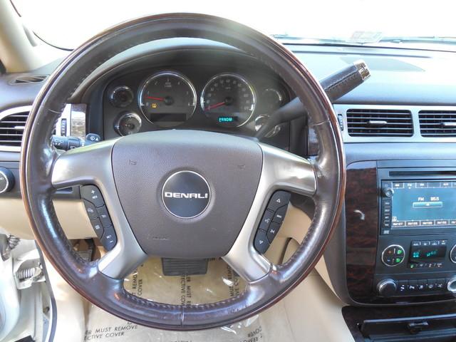 2007 GMC Yukon XL  Denali Leesburg, Virginia 14
