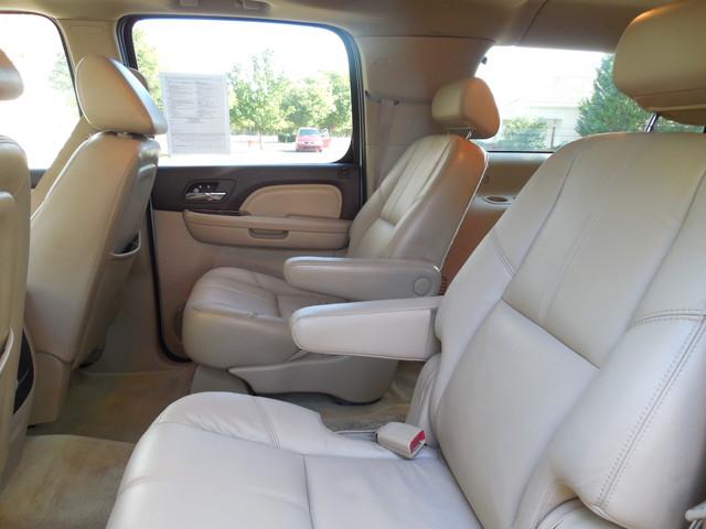 2007 GMC Yukon XL  Denali Leesburg, Virginia 25