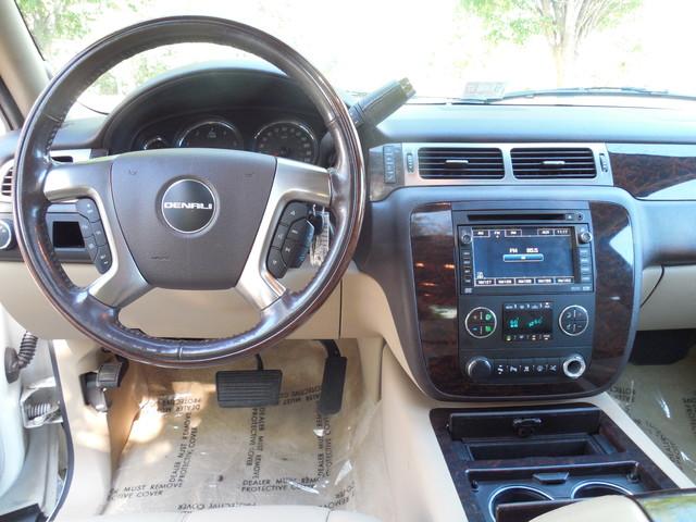2007 GMC Yukon XL  Denali Leesburg, Virginia 12