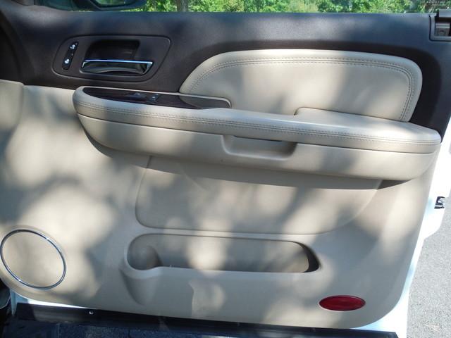 2007 GMC Yukon XL  Denali Leesburg, Virginia 27