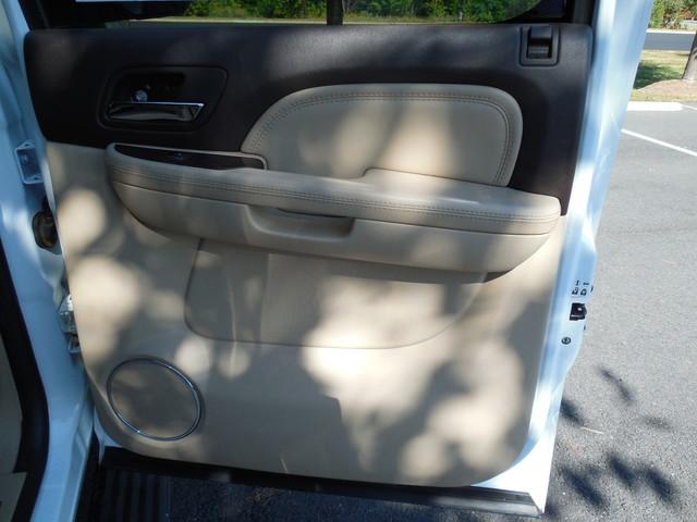 2007 GMC Yukon XL  Denali Leesburg, Virginia 29