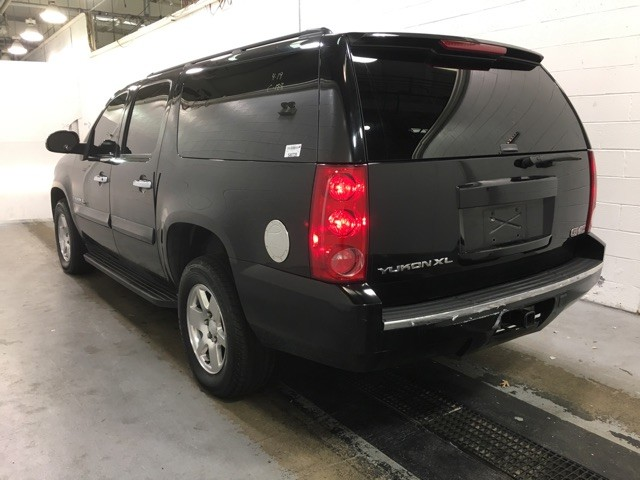 2007 GMC Yukon XL SLE Leesburg, Virginia 3