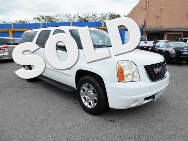 2007 GMC Yukon XL SLE Limited warranty included to assure your worry-free purchase AutoCheck repo