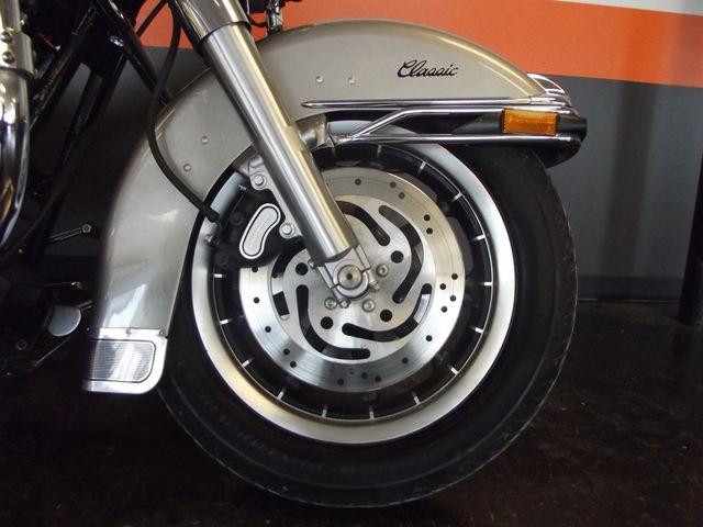 2007 Harley-Davidson Electra Glide Classic FLHTC Arlington, Texas 7