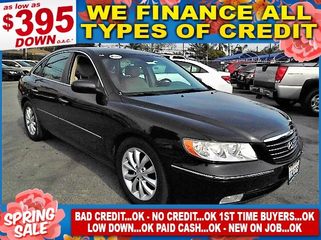 2007 Hyundai Azera Limited Limited warranty included to assure your worry-free purchase AutoCheck