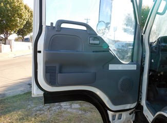2007 Isuzu NPR,DIESEL, Landscaping Truck Bed Irving, Texas 10