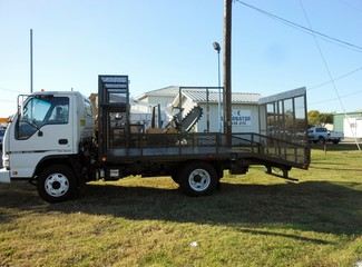 2007 Isuzu NPR,DIESEL, Landscaping Truck Bed Irving, Texas 7