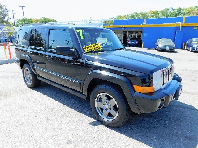 2007 Jeep Commander Sport Limited warranty included to assure your worry-free purchase AutoCheck