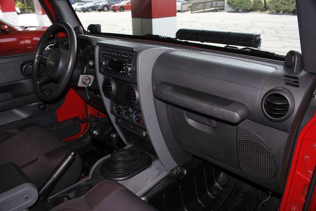 2007 Jeep Wrangler X 4X4  - BESTOP - LED LIGHT BARS! Mooresville , NC 32