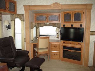 2007 Keystone Montana 3475RLS  city Florida  RV World of Hudson Inc  in Hudson, Florida