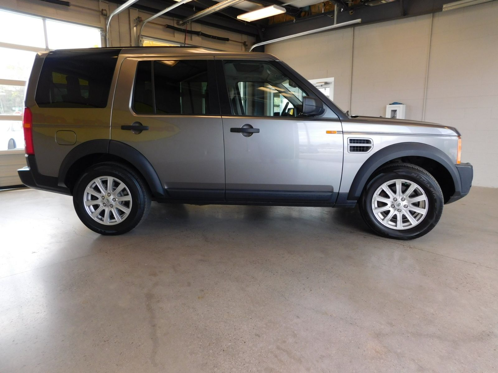 landrover road discovery land rover tires off wallpaper