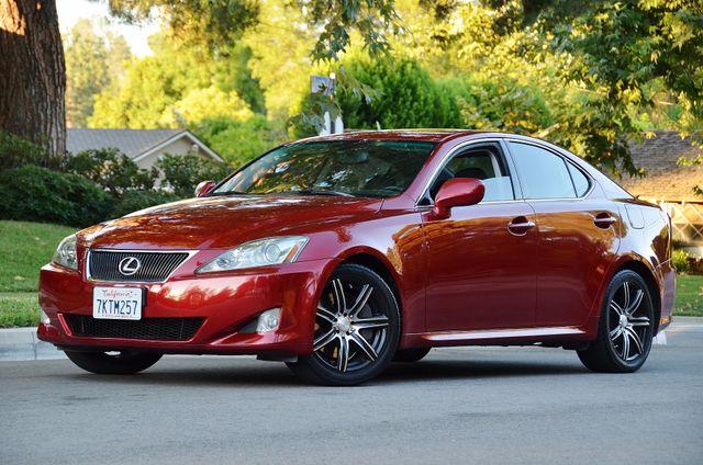 2007 Lexus IS 350  AUTO - 95K MILES - PREMIUM PKG - XENON Reseda, CA 3