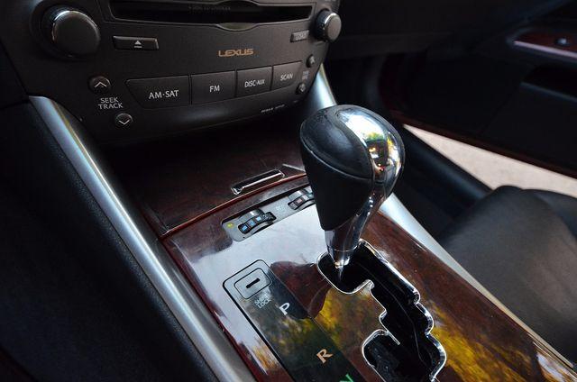 2007 Lexus IS 350  AUTO - 95K MILES - PREMIUM PKG - XENON Reseda, CA 13