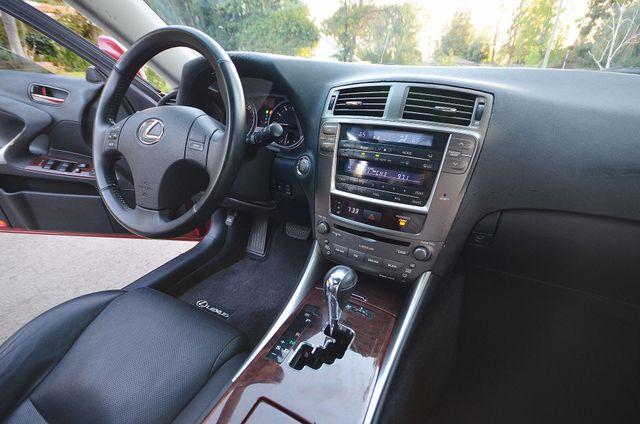 2007 Lexus IS 350  AUTO - 95K MILES - PREMIUM PKG - XENON Reseda, CA 22