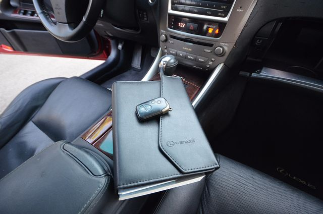 2007 Lexus IS 350  AUTO - 95K MILES - PREMIUM PKG - XENON Reseda, CA 23