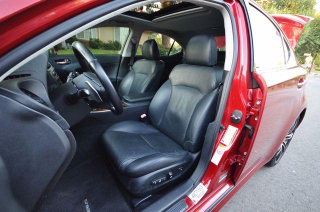 2007 Lexus IS 350  AUTO - 95K MILES - PREMIUM PKG - XENON Reseda, CA 25