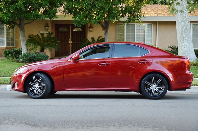 2007 Lexus IS 350  AUTO - 95K MILES - PREMIUM PKG - XENON Reseda, CA 9
