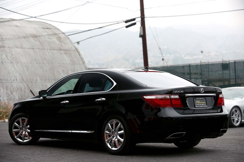 2007 Lexus LS 460 - Navigation - Heated  Cooled seats  city California  MDK International  in Los Angeles, California