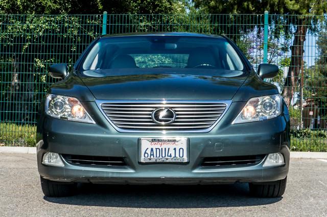 2007 Lexus LS 460 LWB - LUXURY PKG - NAVI - HTD/CLD STS - XENON Reseda, CA 3