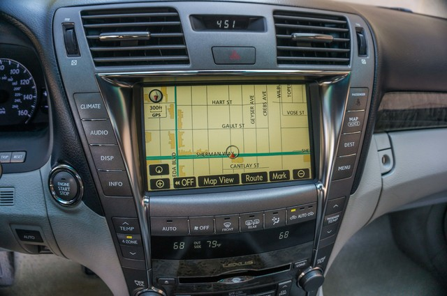2007 Lexus LS 460 LWB - LUXURY PKG - NAVI - HTD/CLD STS - XENON Reseda, CA 22