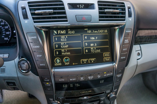 2007 Lexus LS 460 LWB - LUXURY PKG - NAVI - HTD/CLD STS - XENON Reseda, CA 29