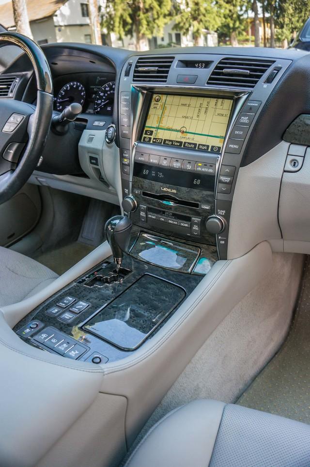2007 Lexus LS 460 LWB - LUXURY PKG - NAVI - HTD/CLD STS - XENON Reseda, CA 25