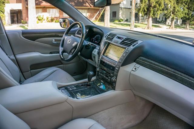 2007 Lexus LS 460 LWB - LUXURY PKG - NAVI - HTD/CLD STS - XENON Reseda, CA 35