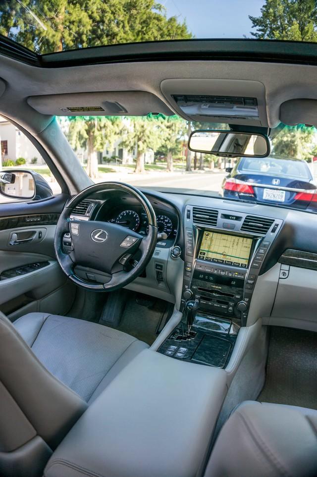 2007 Lexus LS 460 LWB - LUXURY PKG - NAVI - HTD/CLD STS - XENON Reseda, CA 36