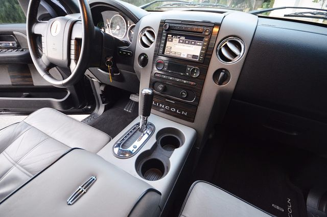 2007 Lincoln Mark LT Reseda, CA 35