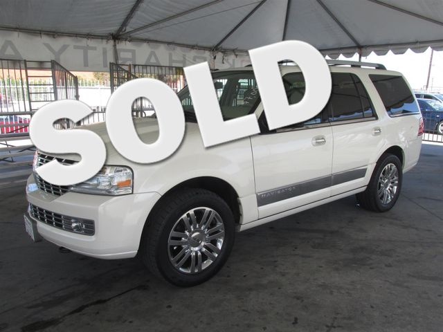 2007 Lincoln Navigator This particular Vehicle comes with 3rd Row Seat Please call or e-mail to c