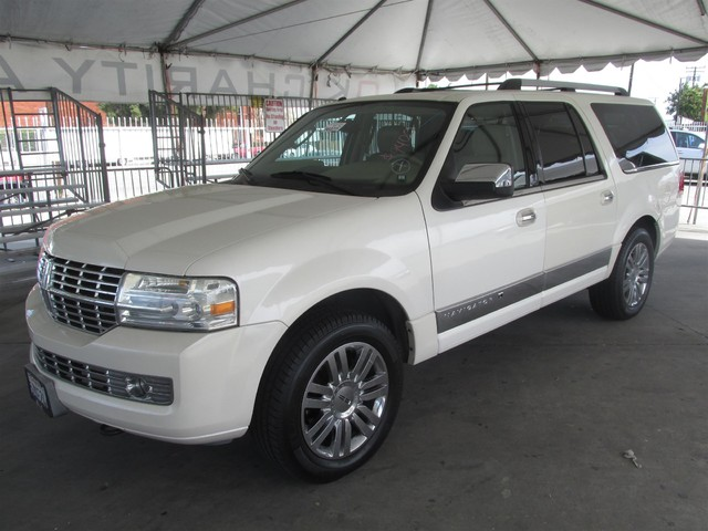 2007 Lincoln Navigator L This particular Vehicle comes with 3rd Row Seat Please call or e-mail to